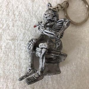 Keychain skeleton smoking
